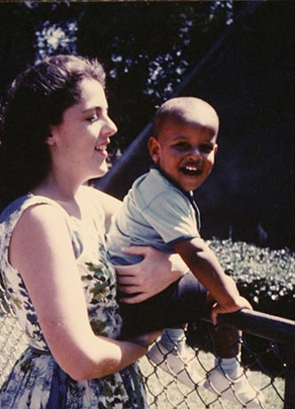 Young Obama with mother Ann Dunham